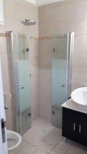 מקלחון הרמוניקה מצב מקופל המחשה בבית לקוח